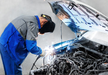 Mechanic Welding Car